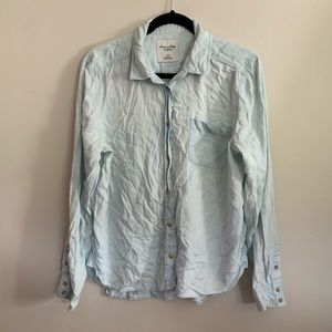 American Eagle Light Wash Chambray Shirt Button Up